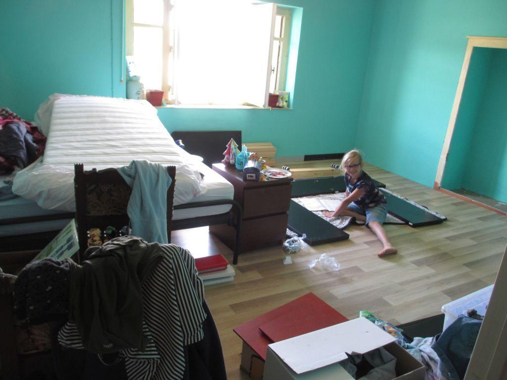 Olivia richt haar kamer in